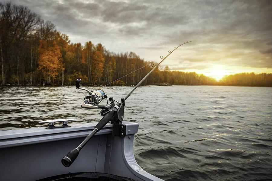 fishing-boat-5541327_1920